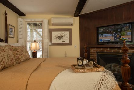 Liberty Hill Inn Yarmouth Port Carriage House Room Eldredge